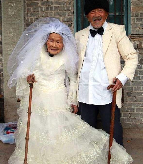 WEDDING: Après 88 ans de mariage, ils posent enfin pour la photo