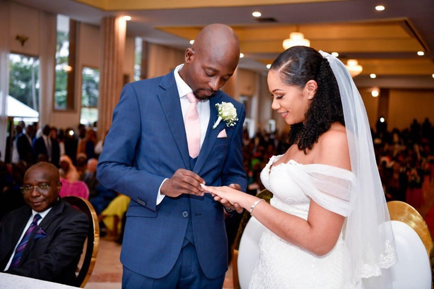 PEOPLE : Le somptueux mariage de Ahmed Syllah et Karadjatou Coulibaly