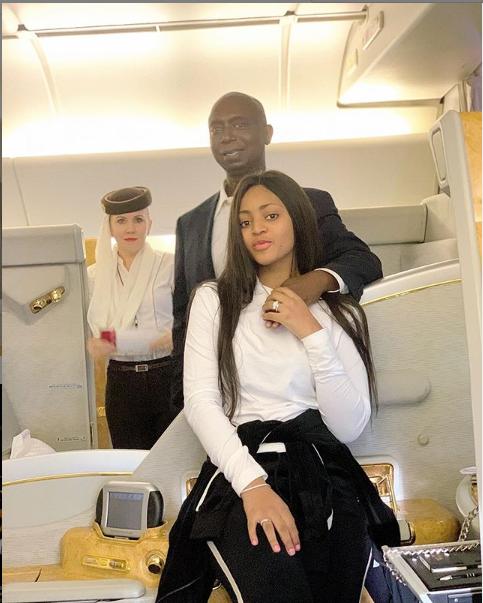 Regina Daniels partage une nouvelle photo avec son mari milliardaire, Ned Nwoko
